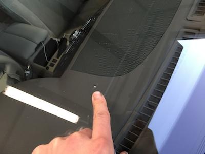 トヨタ ハイエース フロントガラス 修理