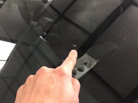 プリウス ZVW55 フロントガラス 飛び石 修理