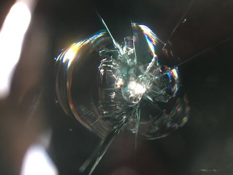 ラングラー フロントガラス 飛び石 修理