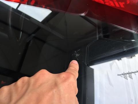 ケイマン フロントガラス 飛び石 修理 ウインドリペア