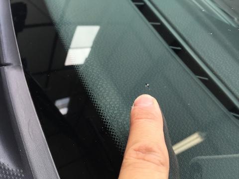 ミニ フロントガラス 飛び石 修理 ウインドリペア