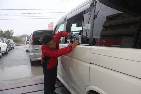ステップワゴン ヘコミ 修理 デントリペア