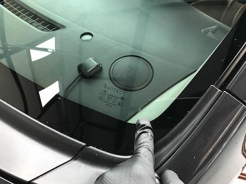 ワゴンR フロントガラス 飛び石 修理 ウインドリペア