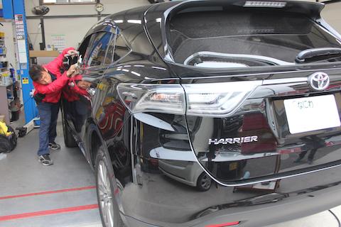 ハリアー 新車 ヘコミ 修理 デントリペア