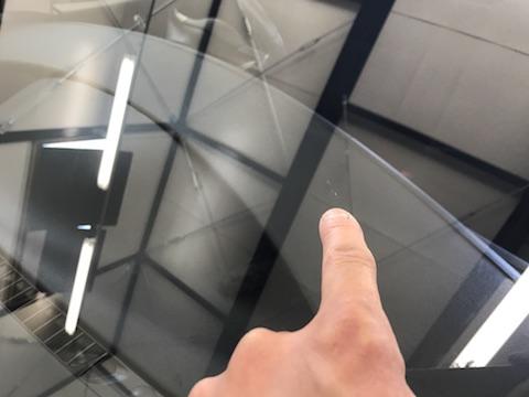 ムーブ フロントガラス 飛び石 修理 ウインドリペア