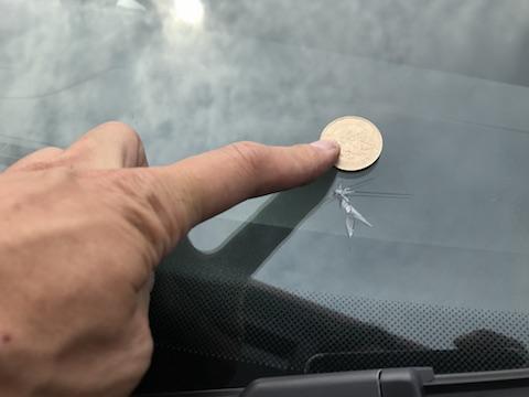 ゴルフ ヴァリアント フロントガラス 飛び石 修理 ウインドリペア