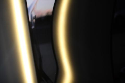 ベンツ E63 ヘコミ 修理 デントリペア ドア