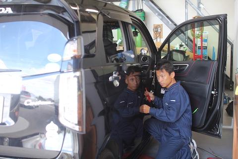Nワゴン ヘコミ 修理 デントリペア ドア