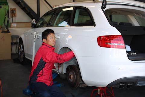 アウディ S4 ヘコミ 修理 デントリペア リアクォーター