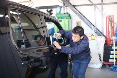 車のヘコミ修理代を安くする方法