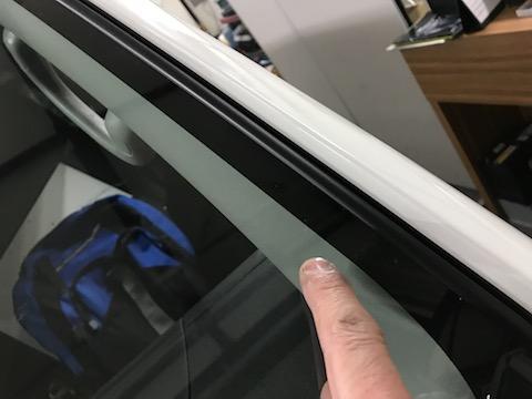 修理・リペアできないフロントガラスの傷を直します。