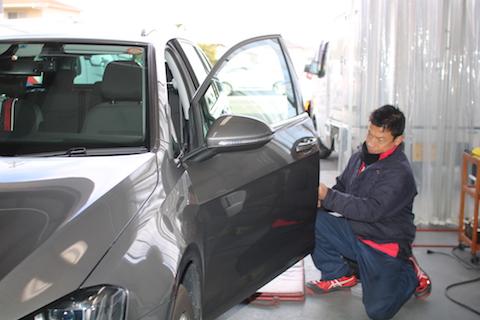 ドアエッジのヘコミ修理・補修、短時間でお安く!