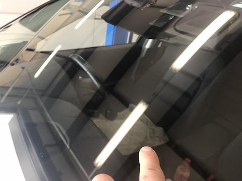 フロントガラスの傷、交換しないで15,000円で直します!