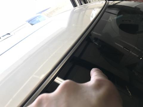 リペア出来ないフロントガラスの飛び石の傷を直します!