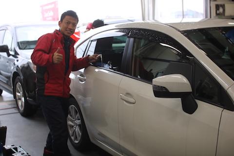 大阪の車ヘコミ、エクボ修理はデントスマイル