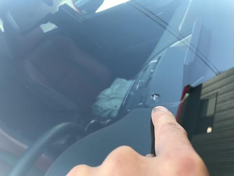 関西でフロントガラスの飛び石修理、予約なくても即日施工!
