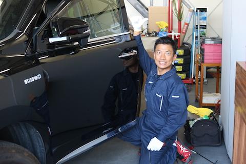 車のドアのヘコミ修理は、大阪のデントスマイルにお任せ下さい!