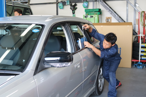 駐車場で防止出来ないドアパンチの修理を一番良い方法で直します!