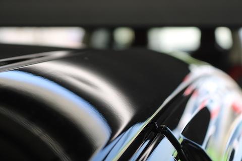 車のヘコミ修理、裏から押せなくても、引っ張り出して直します!