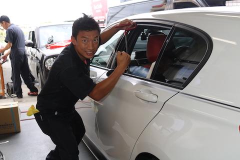 車のヘコミ直しは、デントリペアという技術で即日施工!