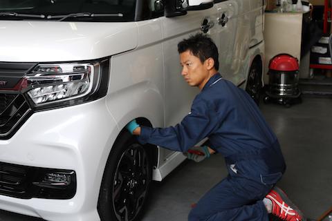 新車のヘコミ修理、ご安心ください綺麗なボディに戻ります!