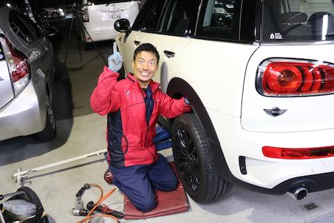 新車のヘコミは悩ませます!心ヘコミます!だから、デントリペアで即日修理で心スッキリ!