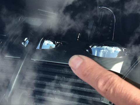 輸入車のフロントガラス交換は高額修理!ウインドリペアで最小限の負担に!