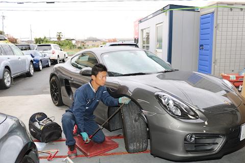 車のヘコミ修理、輸入車でも塗装しないで15分〜直る方法!