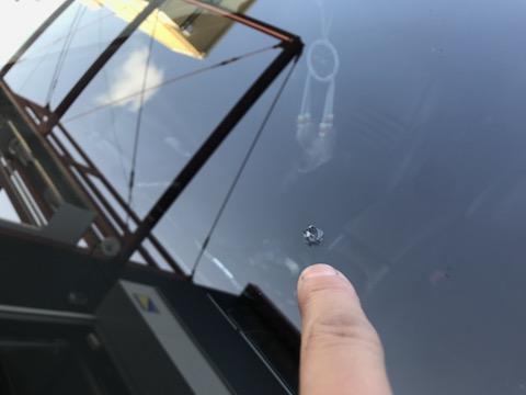 フロントガラス修理、長年の技術と方法で当日施工します!