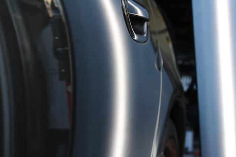 5cmのヘコミも、裏から押し出すデントリペア技術で綺麗に修理!