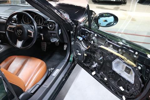 大事な愛車のヘコミ直しは、デントリペアで塗装しない修理で解決!