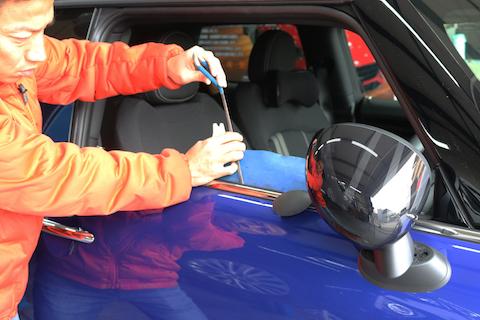 新車1ヶ月で当て逃げ被害!他店様で15万円の修理をデントスマイルで2.5万円!!