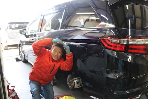 車の大きなヘコミも直せる、塗装しないで即日修理できるデントリペア!