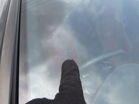 フロントガラスの飛び石被害は緊急対応します!予約なくても即日施工!