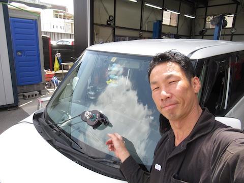 フロントガラスの修理後に伸びたヒビ割れ傷も直せます!