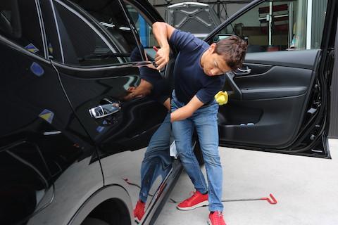 誰かに付けられた車のヘコミ、行き場のないオーナー様の心のモヤモヤを取り除きます!