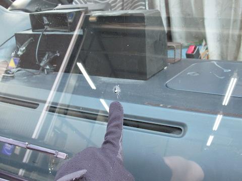 キャンピングカーなどのフロントガラス修理もお任せください。
