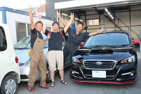 車のルーフの大きなヘコミ、大阪にある塗装しないデントリペアで修理が可能!