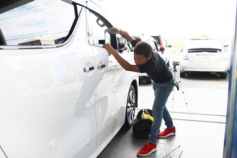 コーヒーブレイクと一緒に、車のヘコミ修理はいかかですか?