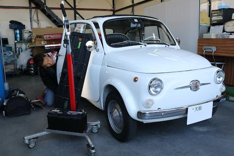ルパン三世のフィアット500のような、旧車のヘコミ修理もデントリペア!