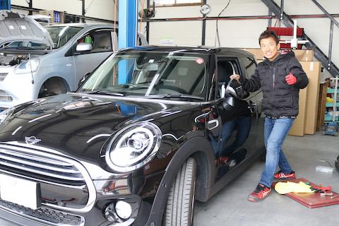 BMW MINI(ミニ)のドアのヘコミも、鈑金・塗装しないデントリペアで即時修理!