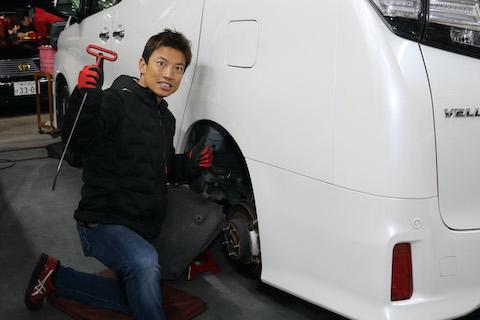 14万円のヘコミ修理が、たったの2万円で直るデントリペア技術!