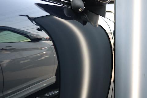 ドアパンチは意外とへこんでいます!狭い駐車場で乗り降りに気をつけてください。