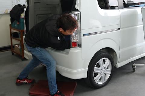 車に複数のヘコミ、デントリペア修理なら2箇所目は半額でお得!
