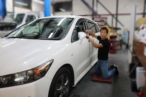 車のヘコミ修理、2個目から半額になるデントリペアがおすすめ