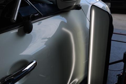 デントリペアって何?ヘコミを塗装しないで綺麗に直す技術です!
