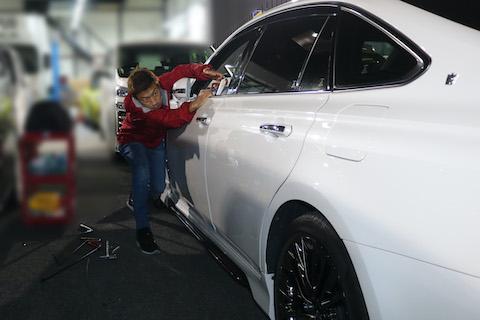 車のドアのヘコミは数分で直る?デントリペアで最速のヘコミ修理