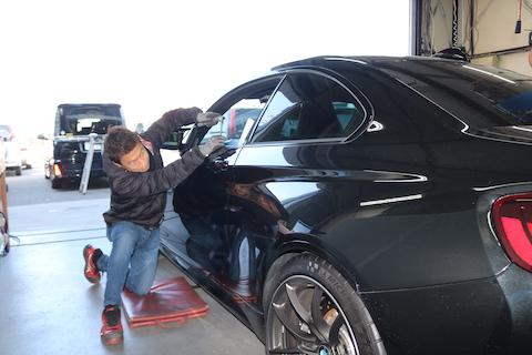 安くて早くて綺麗!デントリペアという車のヘコミ修理を徹底解説!