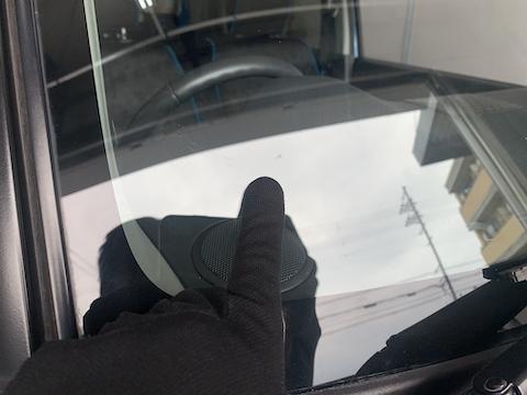 フロントガラス交換よりも15,000円で直る修理!