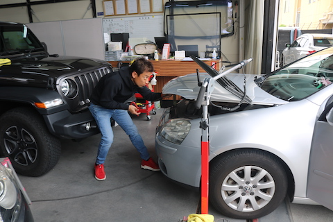 車のヘコミ修理、リピーター様が愛用する一番の方法とは?